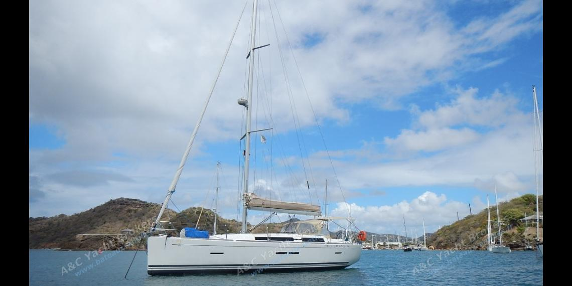 Dufour Yachts Dufour 405 : At anchor